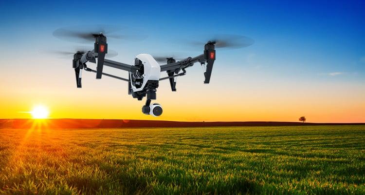 Il drone che sorvola il nuovo Apple Park