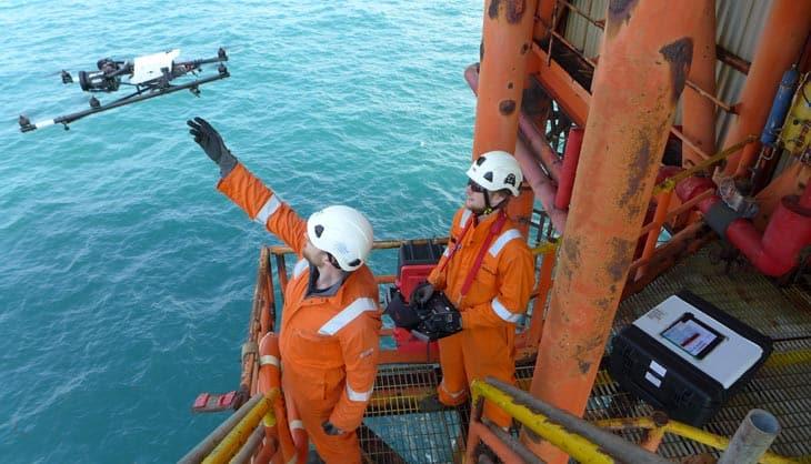 Droni per ispezione di piattaforme petrolifere