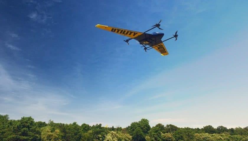 Drone per ispezionare linee elettriche e gasdotti