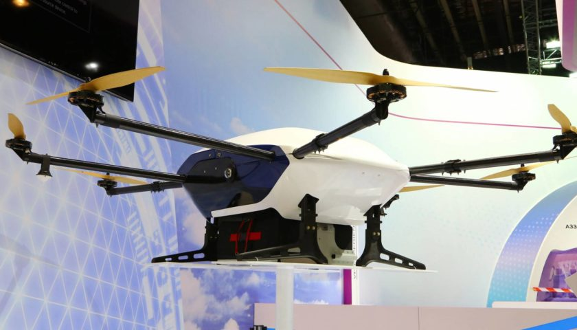 Il drone Airbus Skyways in volo a Singapore