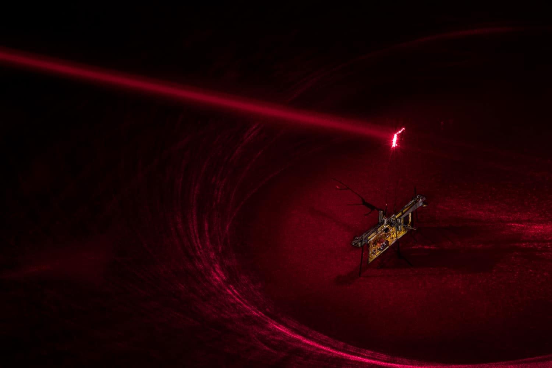 Droni insetto alimentati con un laser