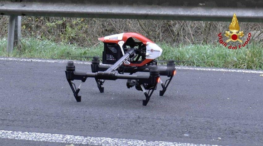 Drone dei Vigili del Fuoco che filma il Ponte Morandi