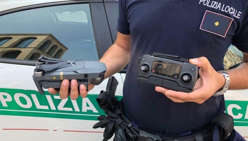 Drone cade in Piazza Duomo a Milano
