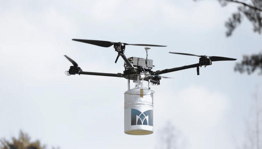 Drone alimentato a idrogeno in volo per oltre dieci ore