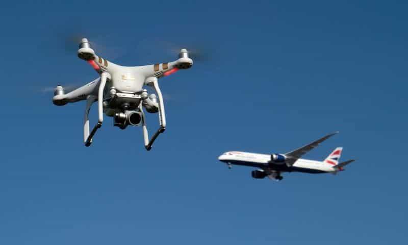 Drone in pista a Malpensa e voli dirottati