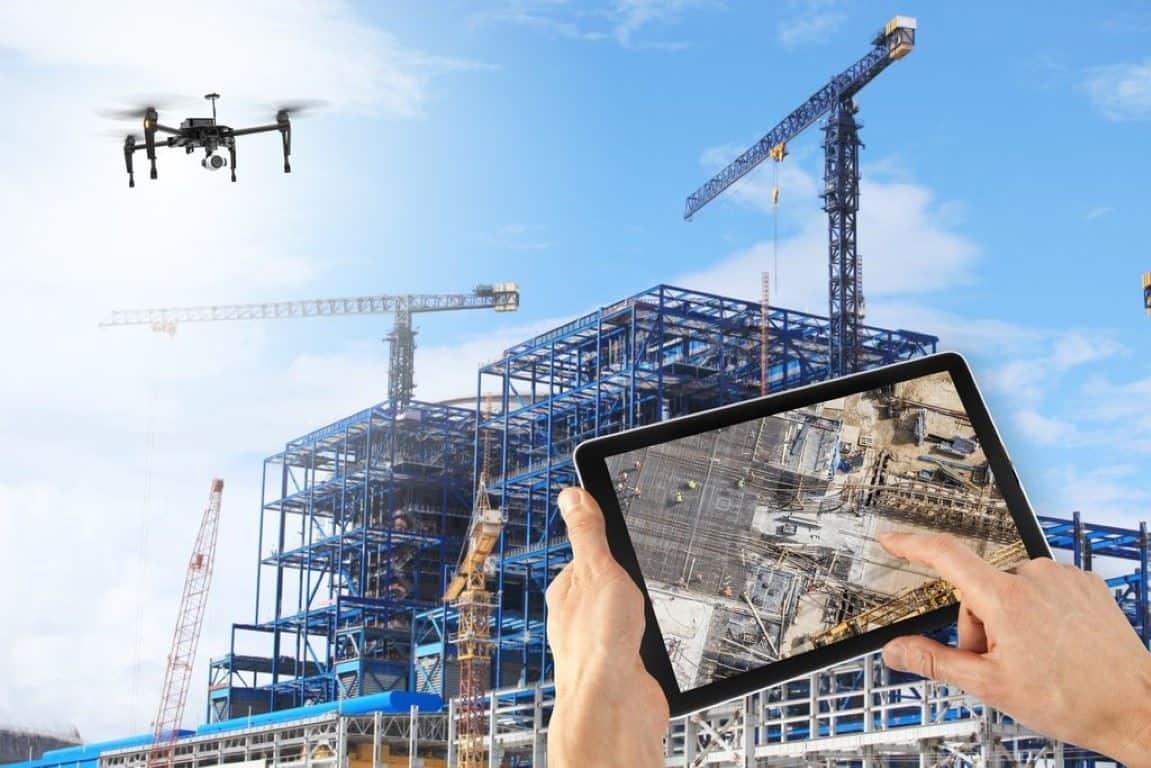 Droni al lavoro in ambiente urbano